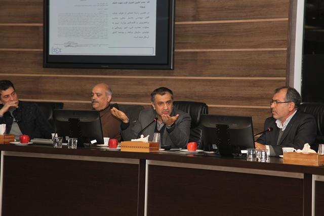 نشست بررسی روند اجرای مصوبات احیای دریاچه ارومیه برگزار شد